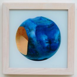 Der blaue Planet- Glas, 2016  ca 30,6 x 30,6 cm - 180.-€