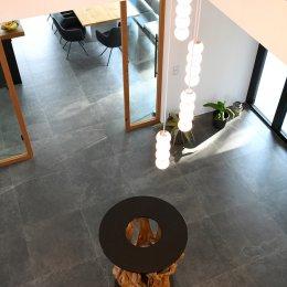 Hainbuche, Granitplatte, Cortenstahl